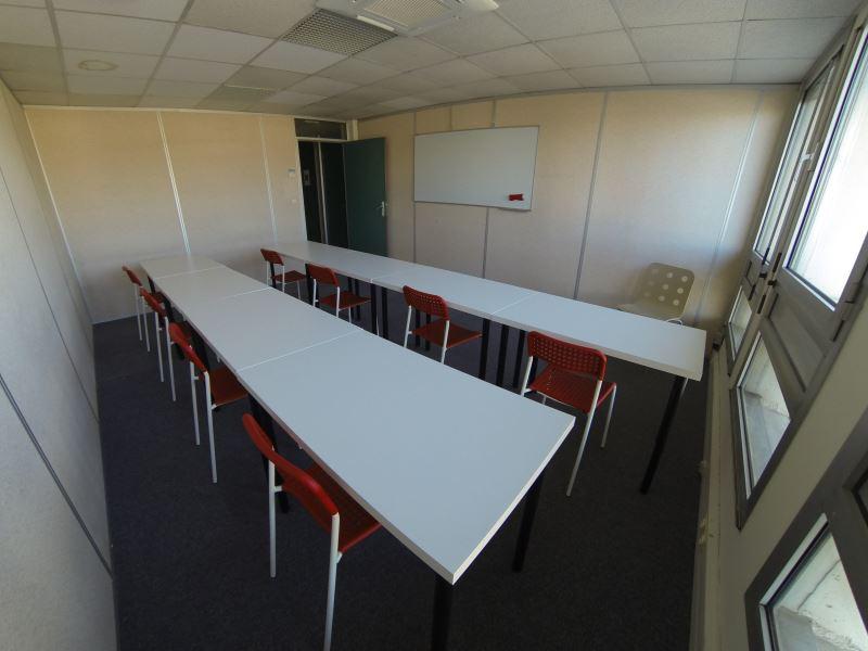 Sans frais d 39 agence bureaux louer aix en provence for Garage pas cher aix en provence